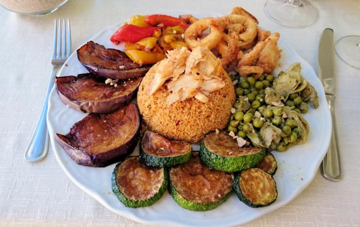 Рестован Gna Sara. Рыбный кускус