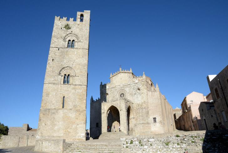 Кафедральный собор в Эриче. Сицилия, 2015