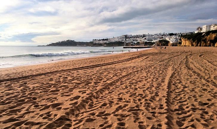 Пляж в Албуфейре. Португалия, 2015