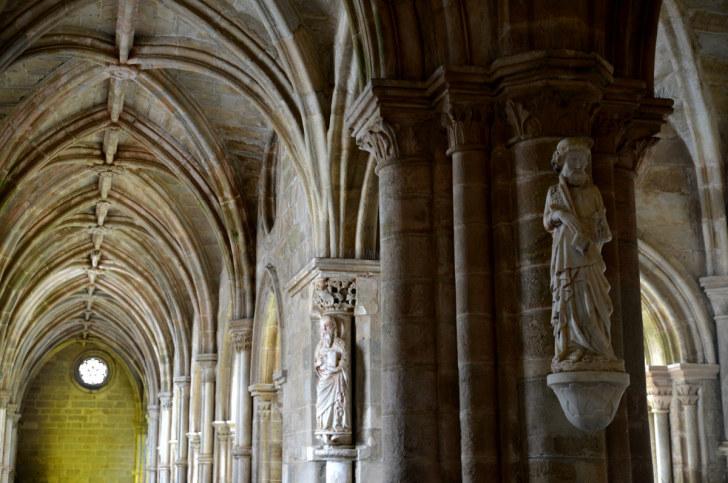 Аркада Кафедрального собора Эворы. Португалия, 2016