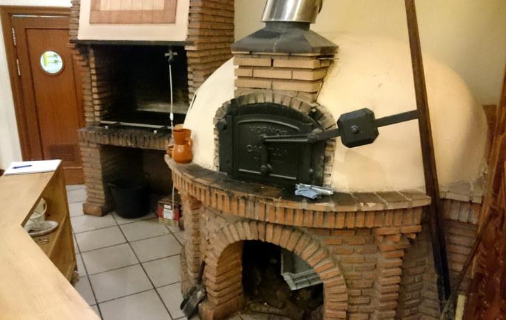 Ресторан Casa Mariano. Печь