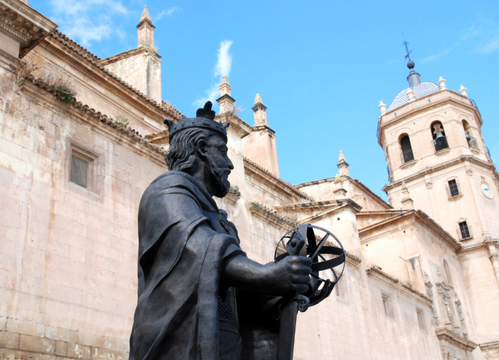 Памятник Альфонсо X на площади Испании, Лорка, 2010