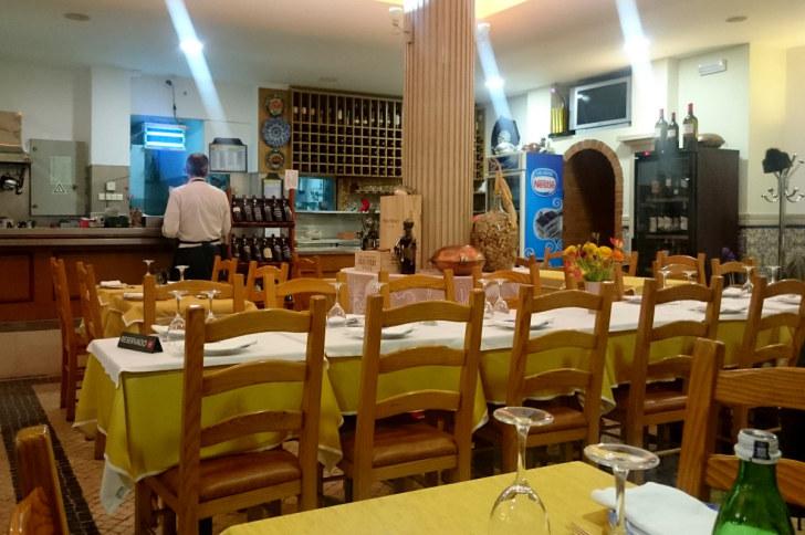 Интерьер. Ресторан Santa Marta. Лиссабон, Португалия, 2016