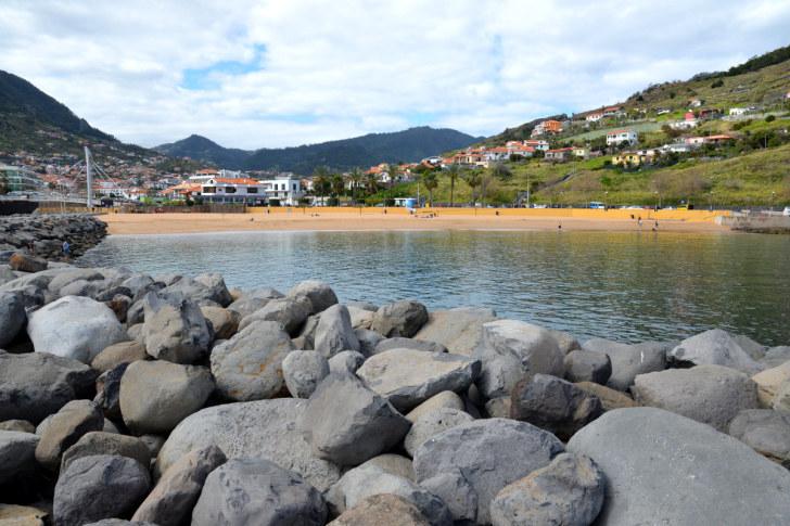 Пляж с марокканским песком. Машику, Мадейра, 2016