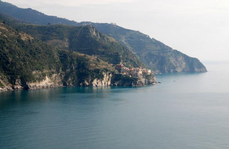 Вид на Манаролу из Корнильи, Чинкве Терре, Италия, 2011