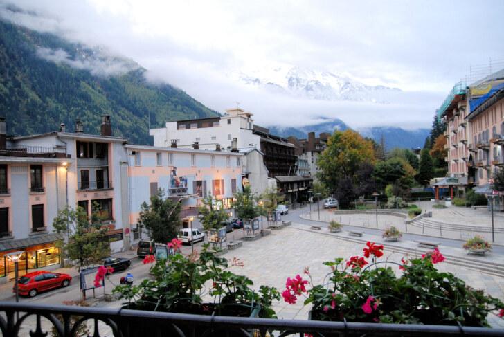 Вид из окна номера 206. Hotel Le Chamonix. Шамони, Франция, 2011